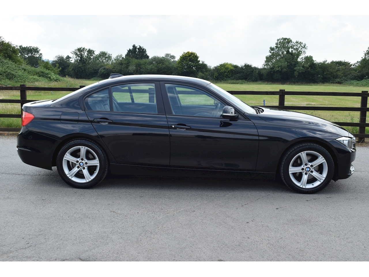 BMW 3 Series 320D Se Saloon 2.0 Automatic Diesel