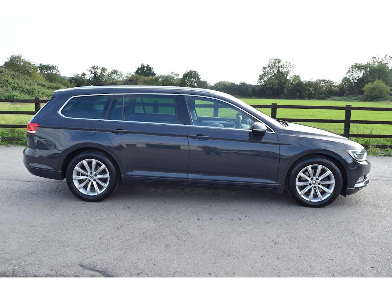 Volkswagen Passat SE Business Estate 2.0 DSG Diesel