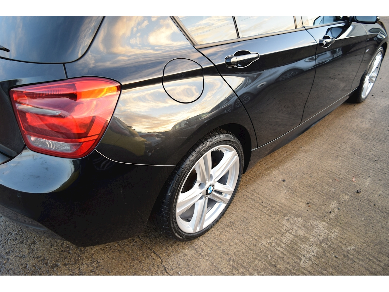 BMW 1 Series 116d M Sport 5 door 5 Door Sports Hatch 2.0 Manual Diesel