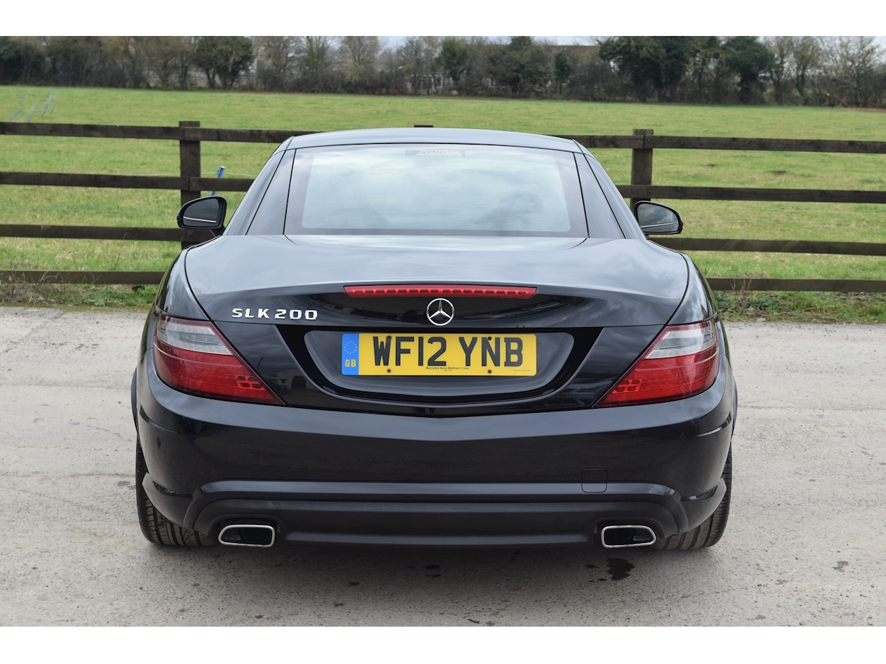 Mercedes-Benz 1.8 SLK200 BlueEFFICIENCY AMG Sport Convertible 2dr Petrol 7G-Tronic Plus (151 g/km, 184 bhp)