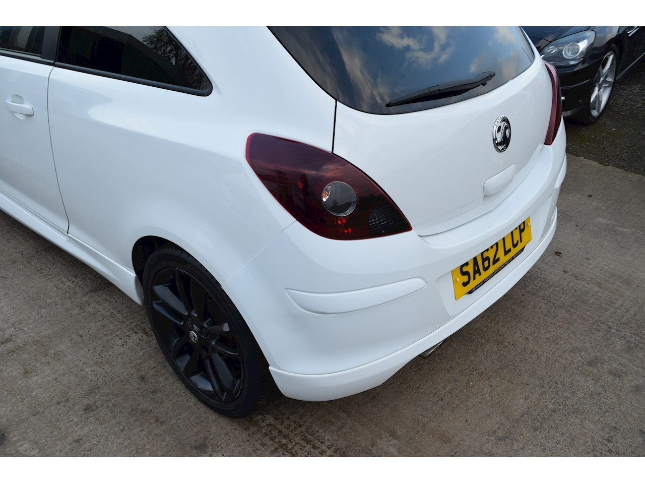 Vauxhall 1.2 i 16v Limited Edition Hatchback 3dr Petrol Manual (a/c) (129 g/km, 84 bhp)