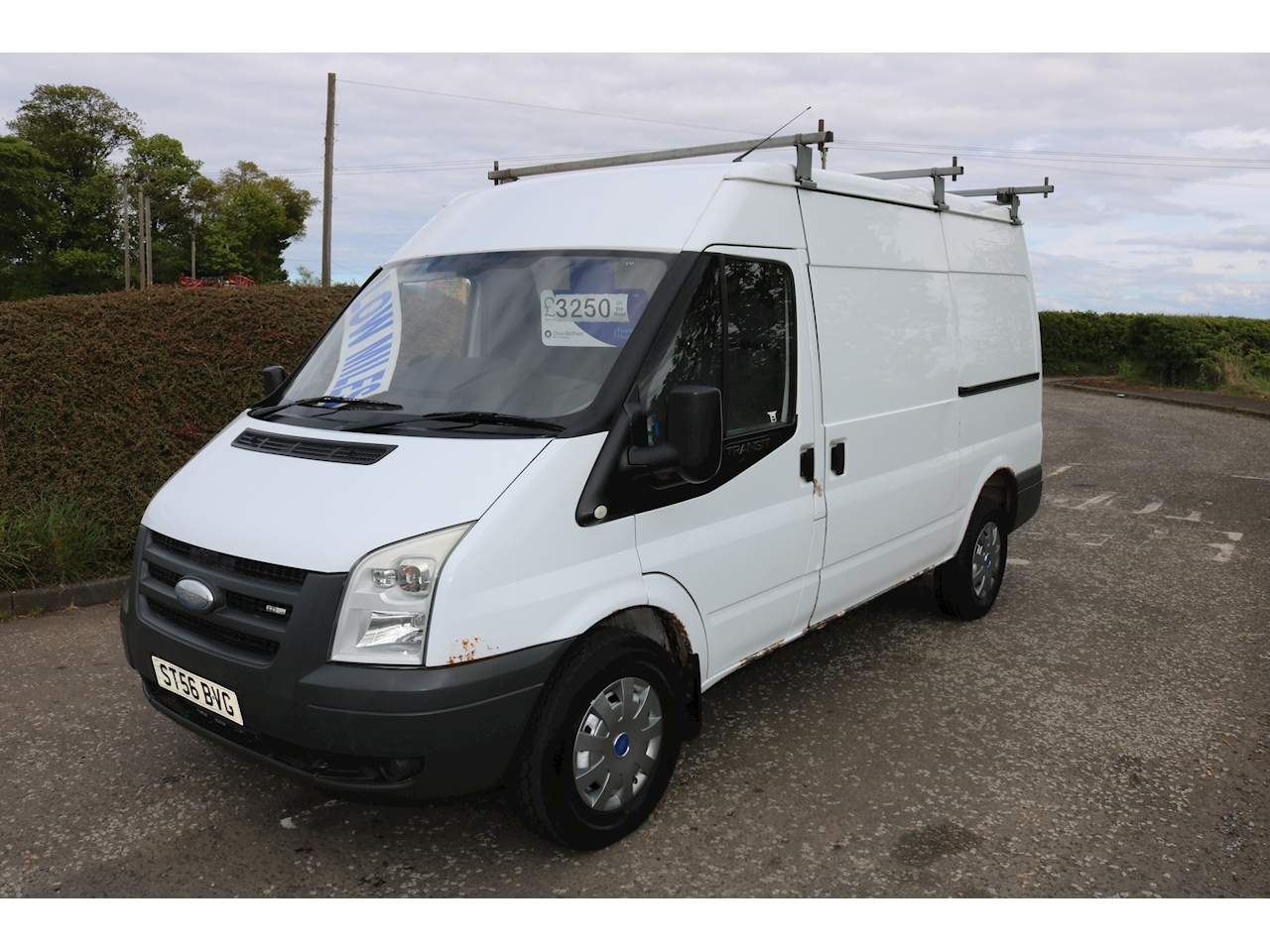Transit 350 Mwb Shr P/V 100 Panel Van 2.4 Manual Diesel