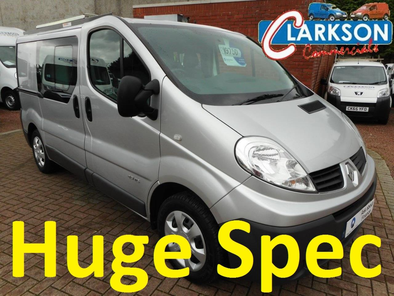 Renault Trafic 6 SEAT CREW VAN SWB 2.0 Van With Side Windows Manual Diesel