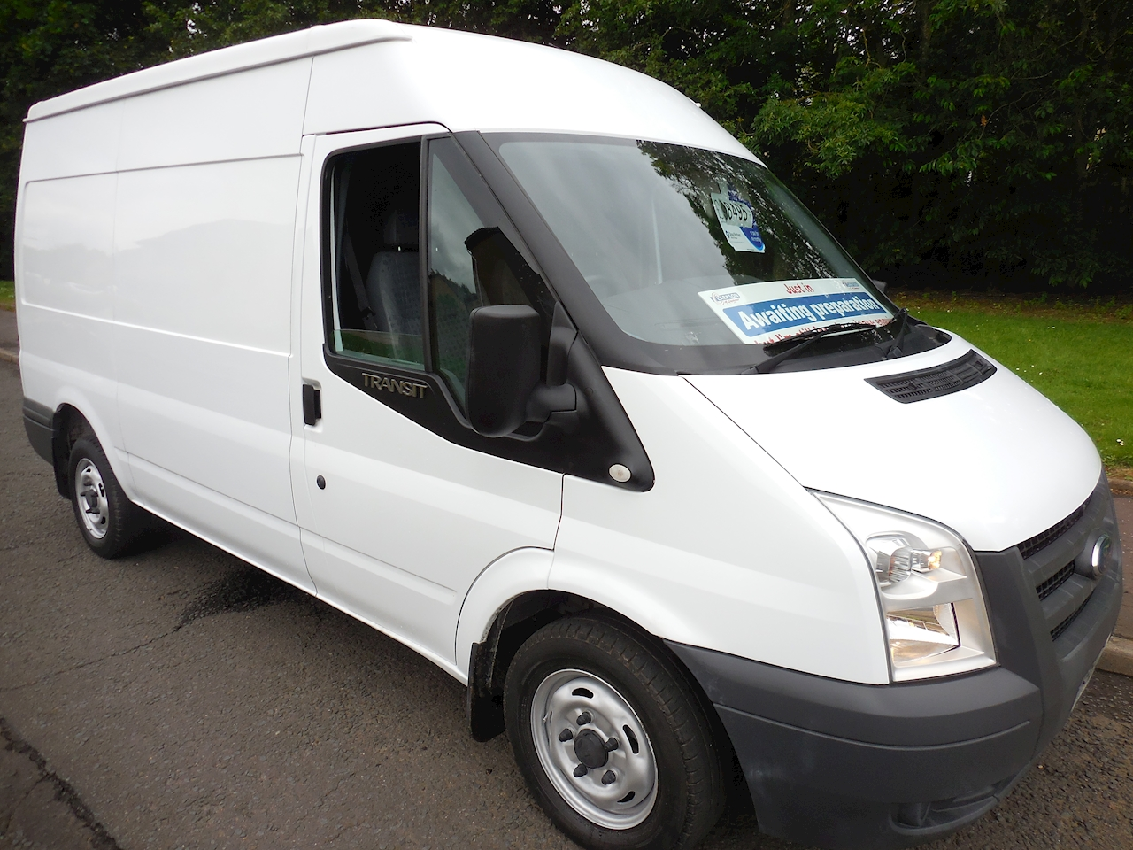Ford Transit 280 Medium Wheel Base / medium roof (MWB) 2.2 Panel Van Manual Diesel