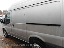 Ford Transit Transit T330 SWB 125ps/6 speed, with AC & rear racking system etc - Thumb 24