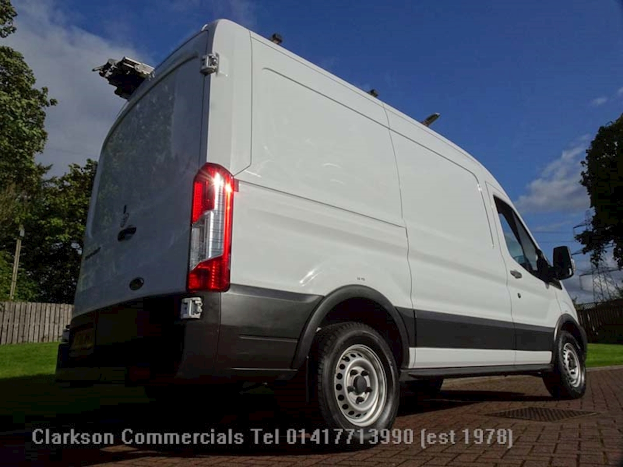 Ford Transit 2.2 TDCi 330 Panel Van 5dr Diesel Manual FWD L2 H2 EU5 (100 ps) Panel Van 2.2 Manual Diesel