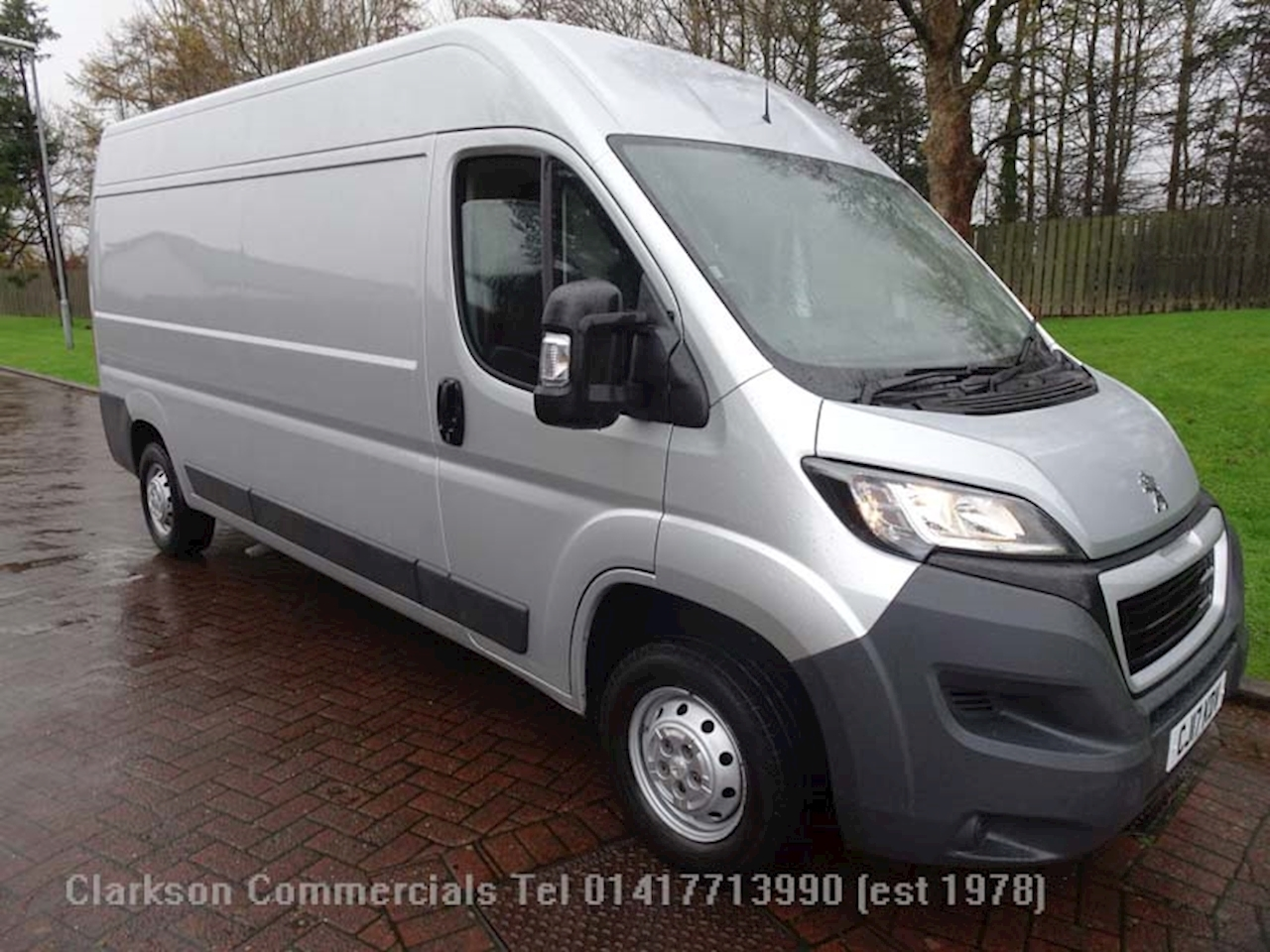 Peugeot Boxer 335 L3H2 Professional 2.0 BlueHDi 2.0 5dr Panel Van Manual Diesel