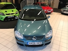 Volkswagen Golf - Thumb 4