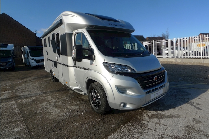 Adria Matrix Supreme 670 SL Motorhome 2300 Manual Diesel