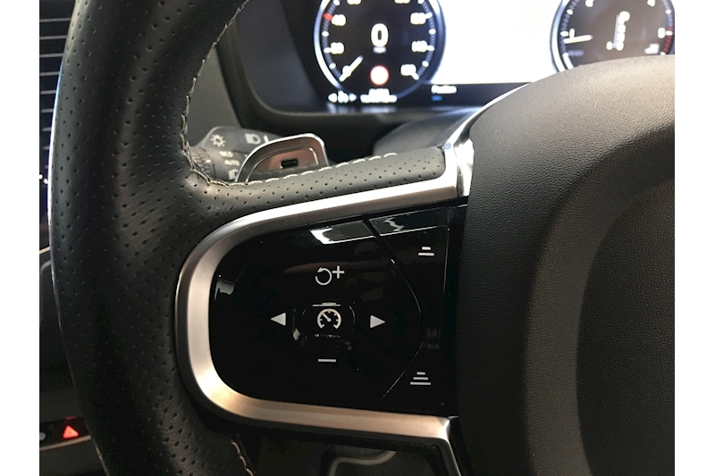 Volvo Xc90 D5 R-DESIGN AWD GEAR TRONIC 2.0 Automatic Diesel - Large 35