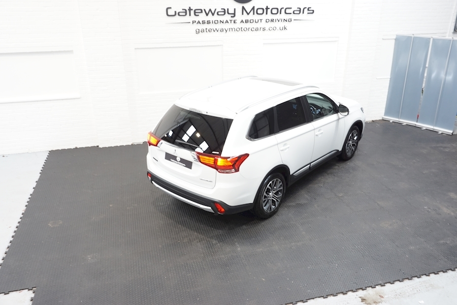 Mitsubishi Outlander Di-D 4 Estate 2.3 Automatic Diesel - Large 3