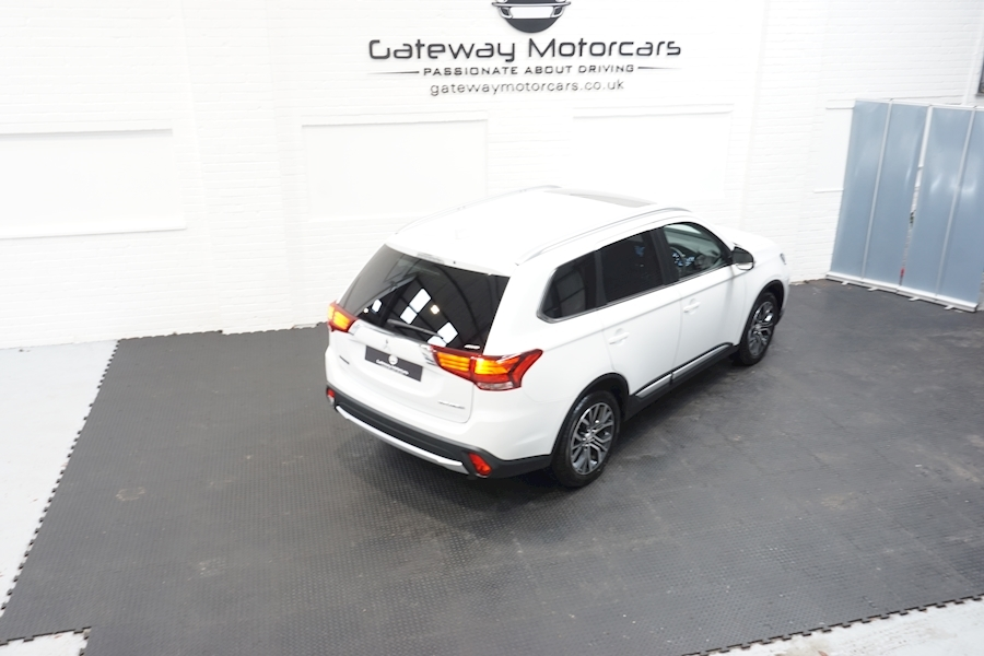 Mitsubishi Outlander Di-D 4 Estate 2.3 Automatic Diesel - Large 4