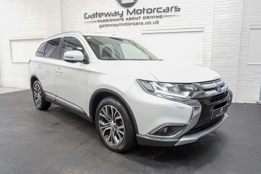 Mitsubishi Outlander Di-D 4 Estate 2.3 Automatic Diesel - Large 0