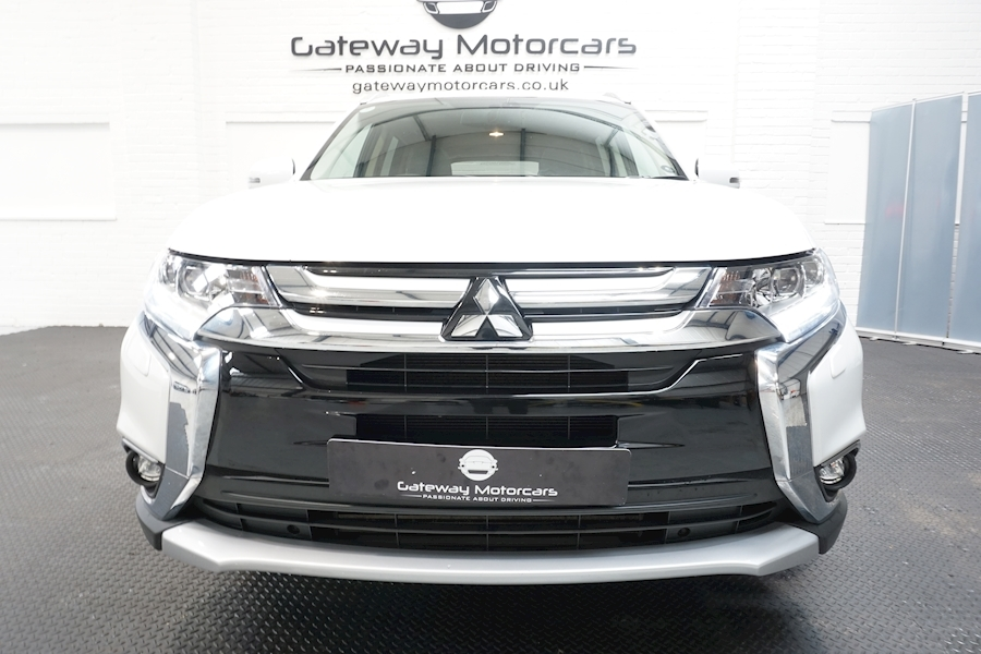 Mitsubishi Outlander Di-D 4 Estate 2.3 Automatic Diesel - Large 8