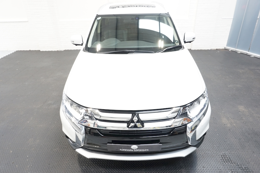 Mitsubishi Outlander Di-D 4 Estate 2.3 Automatic Diesel - Large 9