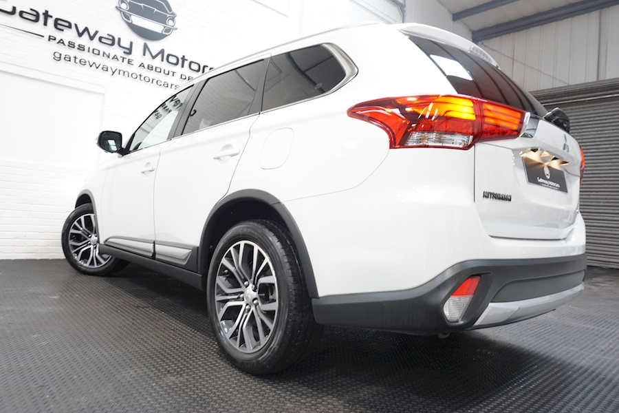 Mitsubishi Outlander Di-D 4 Estate 2.3 Automatic Diesel - Large 13