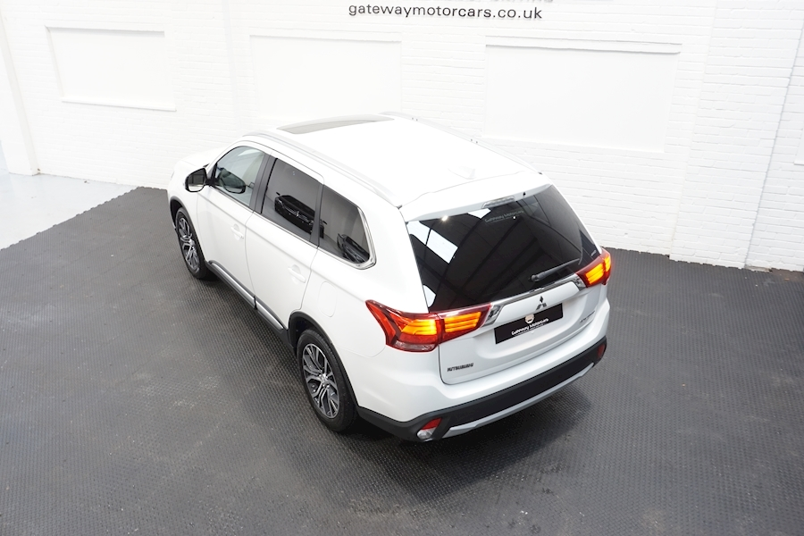 Mitsubishi Outlander Di-D 4 Estate 2.3 Automatic Diesel - Large 16
