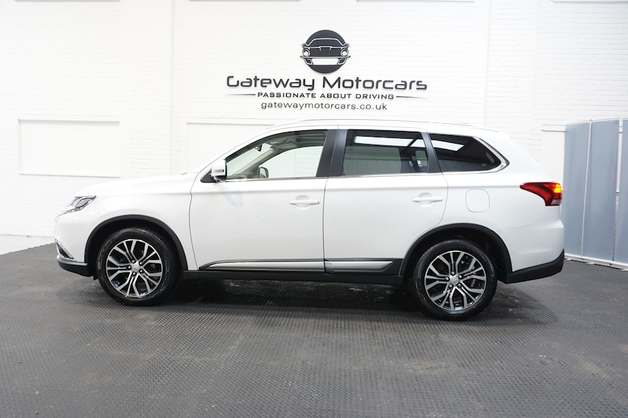 Mitsubishi Outlander Di-D 4 Estate 2.3 Automatic Diesel - Large 17