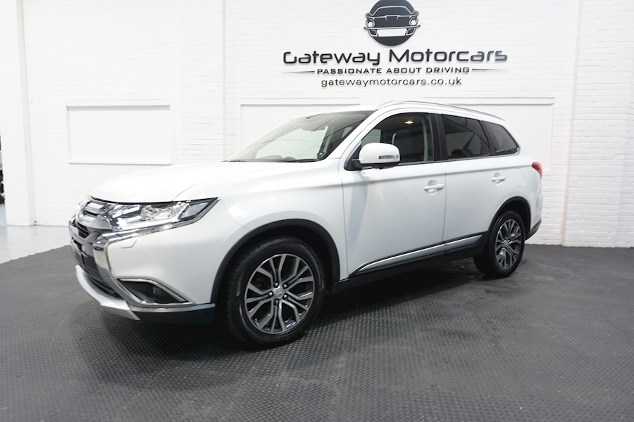 Mitsubishi Outlander Di-D 4 Estate 2.3 Automatic Diesel - Large 19