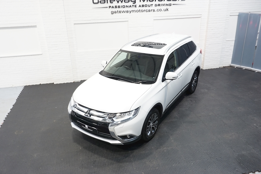 Mitsubishi Outlander Di-D 4 Estate 2.3 Automatic Diesel - Large 20