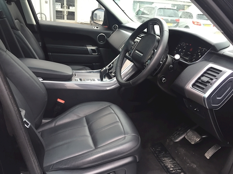 Land Rover Range Rover Sport Sdv6 Hse Estate 3.0 Automatic Diesel - Large 19