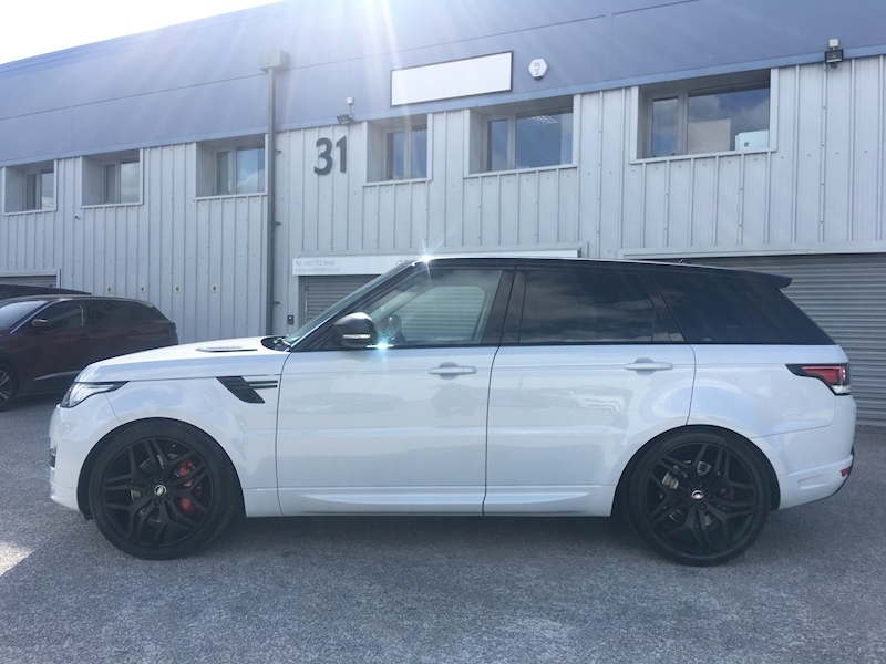 Land Rover Range Rover Sport Autobiography Dynamic 3 5dr SUV Automatic Diesel - Large 4