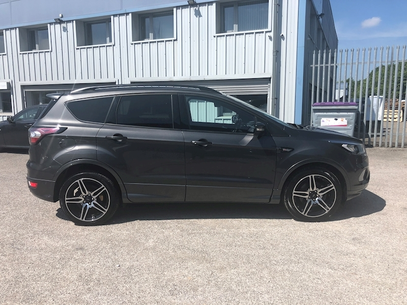 Ford Kuga TDCI ST Line X 2WD SUV 1.5 Manual Diesel - Large 2