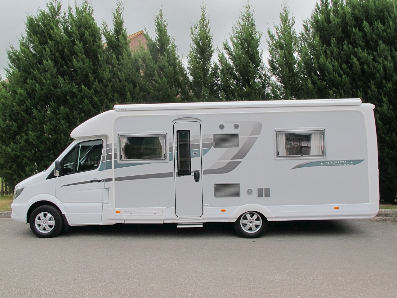 Auto Sleeper Burford Duo Motorhome Automatic Diesel