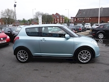 Suzuki Swift Attitude - Thumb 3