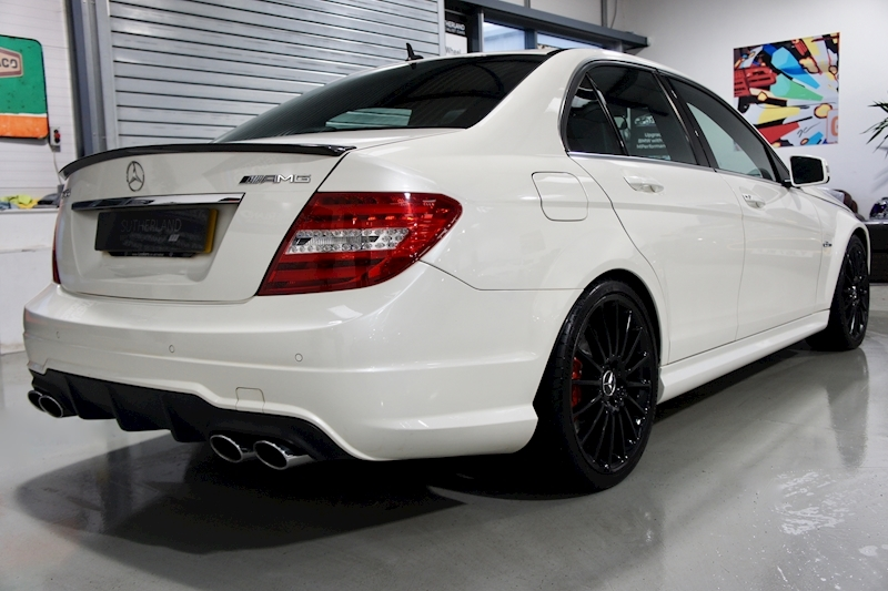 Mercedes-Benz C63 - Large 10