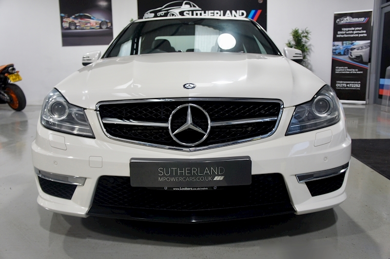 Mercedes-Benz C63 - Large 4