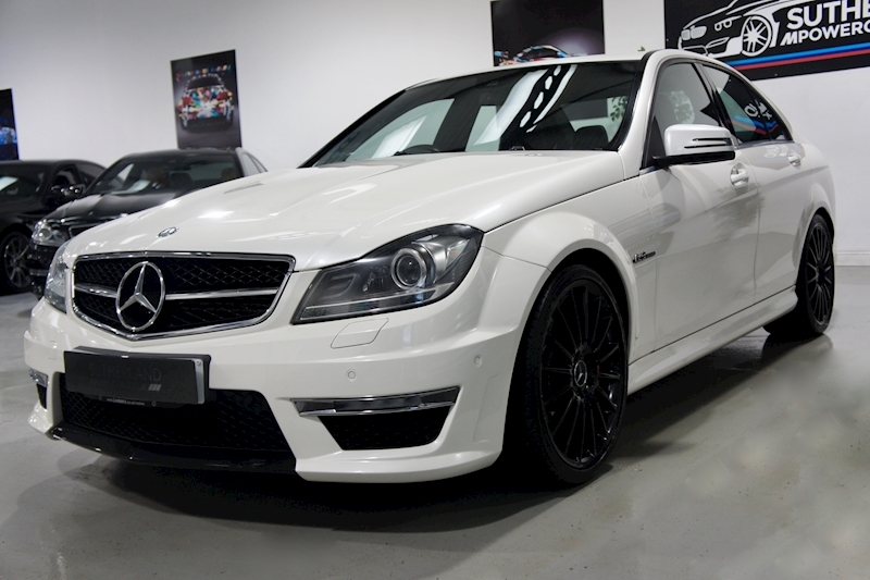 Mercedes-Benz C63 - Large 3