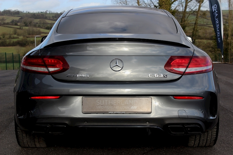 Mercedes-Benz C 63 - Large 11