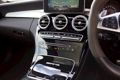 Mercedes-Benz C 63 - Large 27