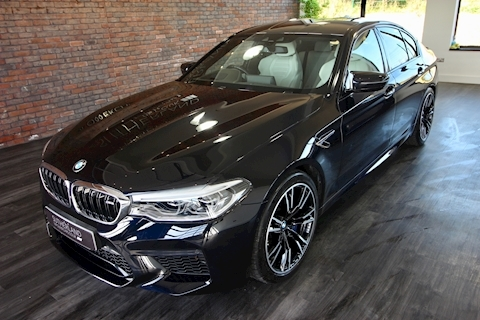 M5 4.4 V8 Steptronic Xdrive Saloon 4.4 Automatic Petrol