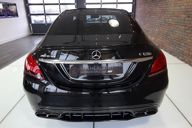 Mercedes-Benz C63 - Large 11