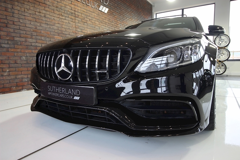 Mercedes-Benz C63 - Large 25