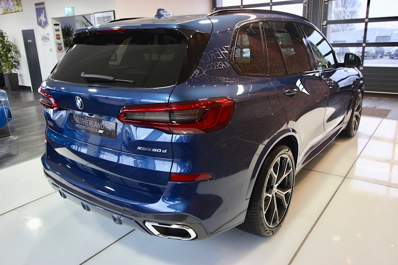 BMW X5 Series - Large 11