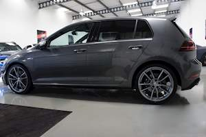 Volkswagen Golf R Tsi - Large 16