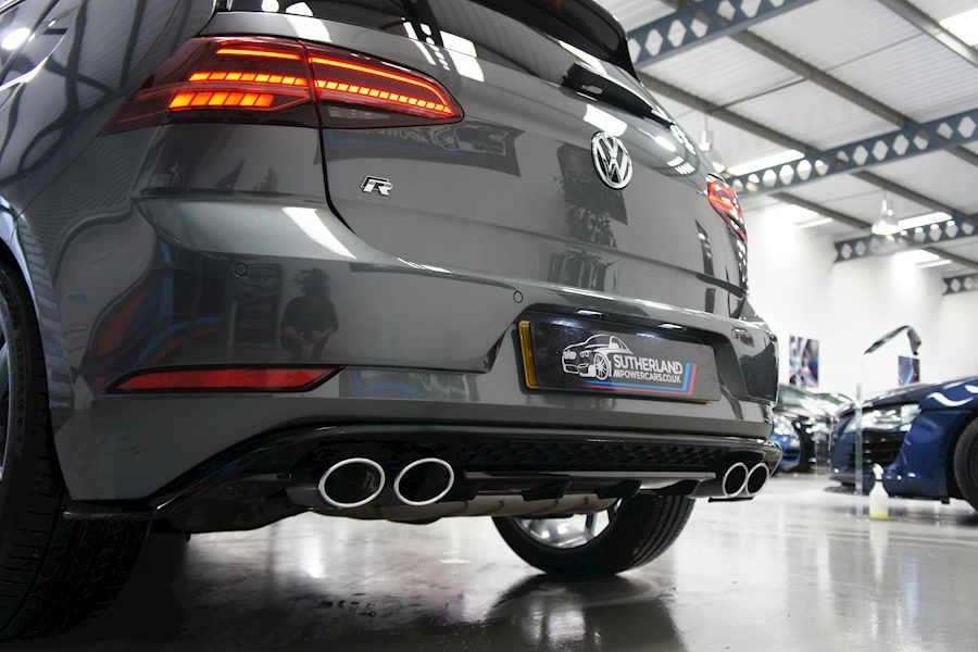 Volkswagen Golf R Tsi - Large 44