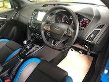 Ford Focus 2.3 - Thumb 11