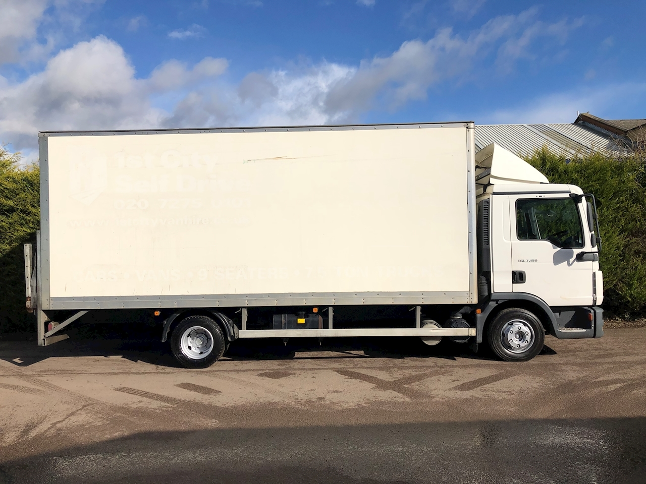Man 2011 MAN TGL 7.150 4.6 150bhp - BOX LORRY TAIL LIFT - 7.5 TON
