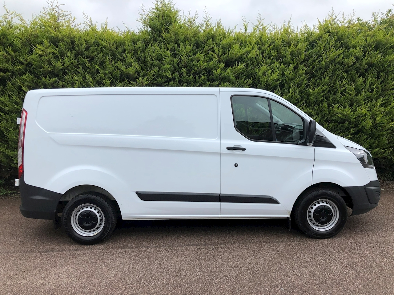Ford 2015 Ford Transit Custom T270 2.2 SWB - PANEL VAN