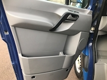 2008 Volkswagen Crafter CR35 2.5 DROPSIDE TAIL LIFT - Thumb 14