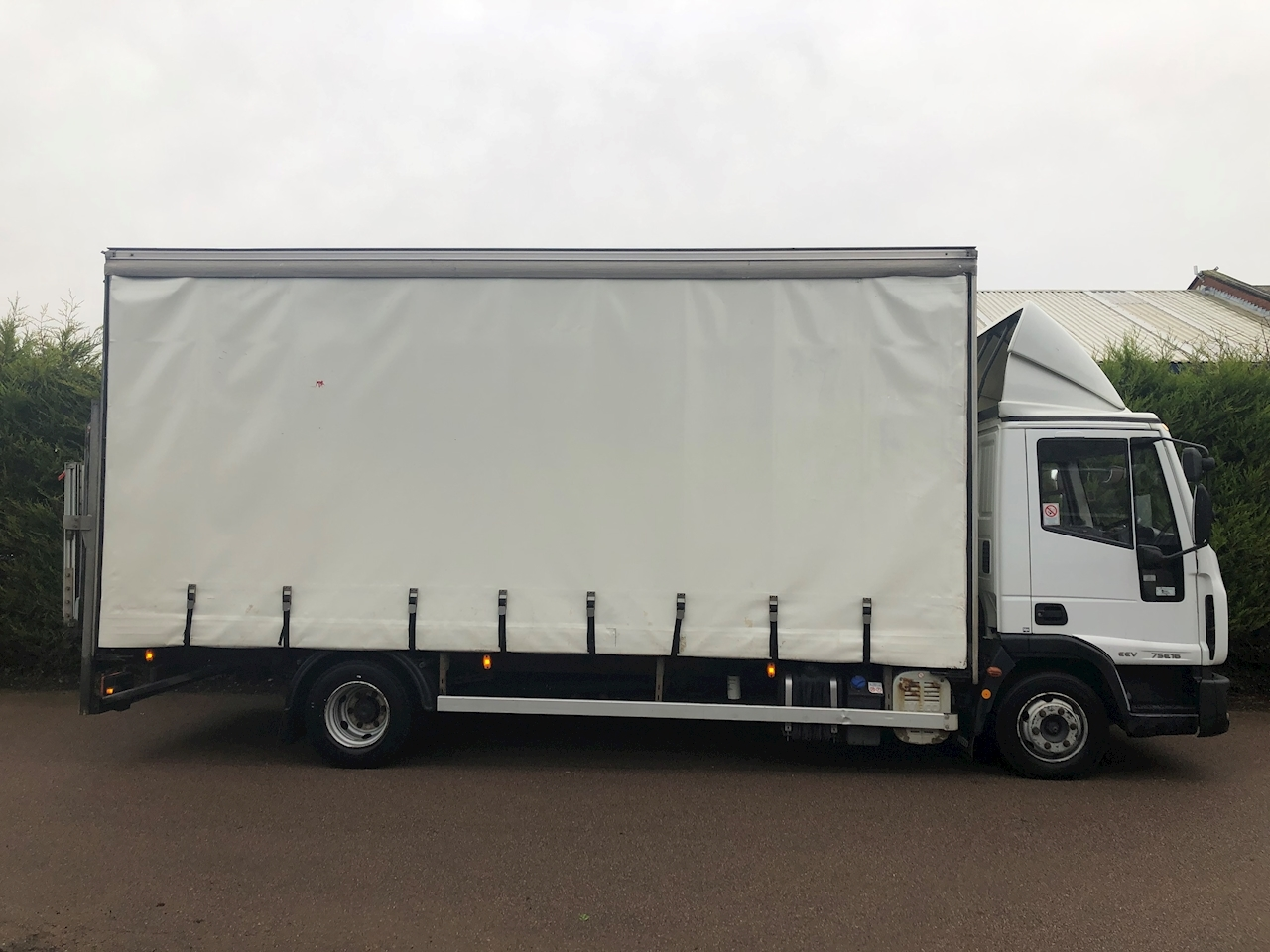Iveco 2010 Eurocargo 75E16s 3.9 CURTAIN SIDE - TAIL LIFT
