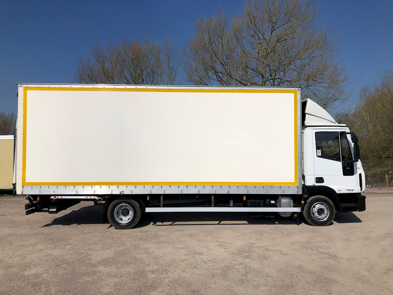 Iveco Iveco Eurocargo 75E16s 3.9 160bhp BOX LORRY - TAIL LIFT