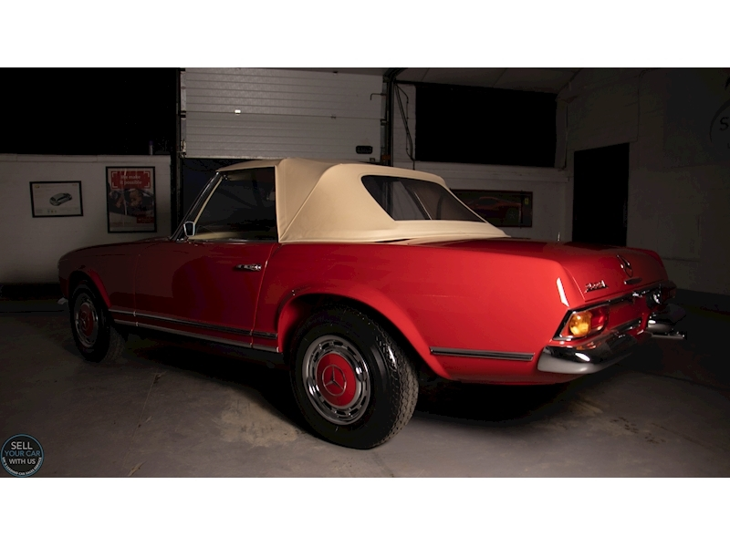 Mercedes-Benz 250 SL Roadster - Large 4
