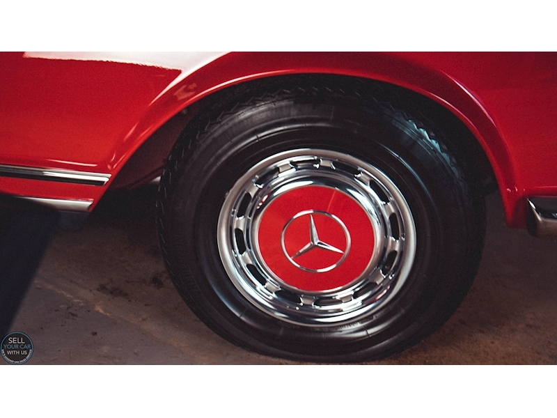 Mercedes-Benz 250 SL Roadster - Large 36