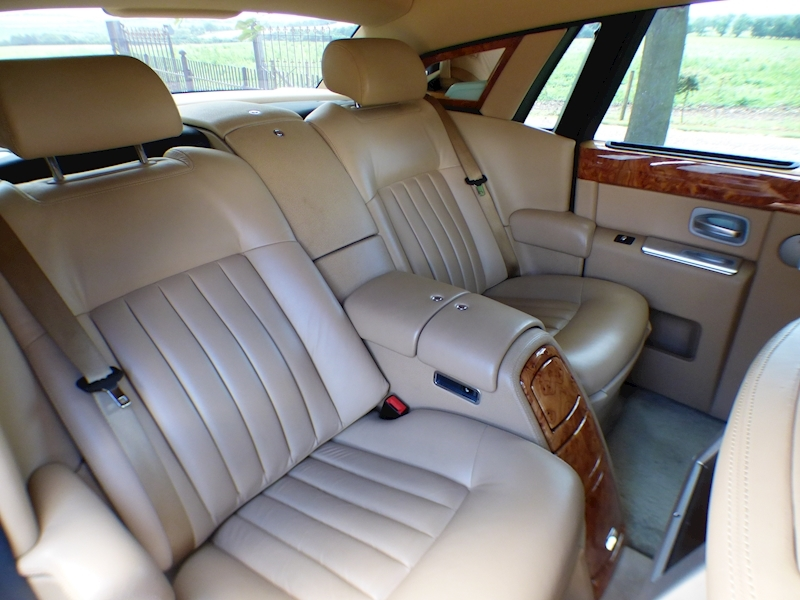 Rolls Royce Phantom V12 - Large 15