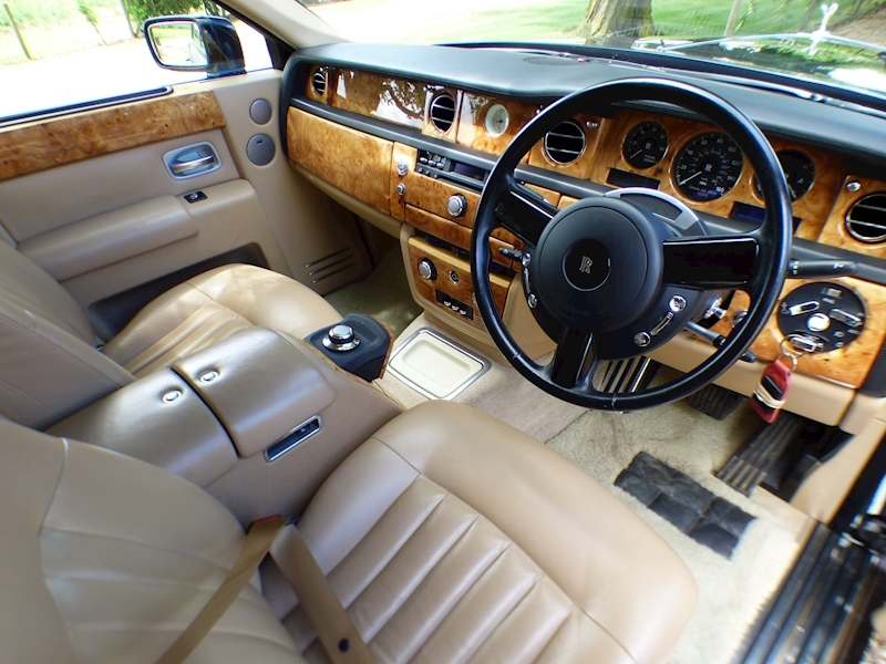 Rolls Royce Phantom V12 - Large 19